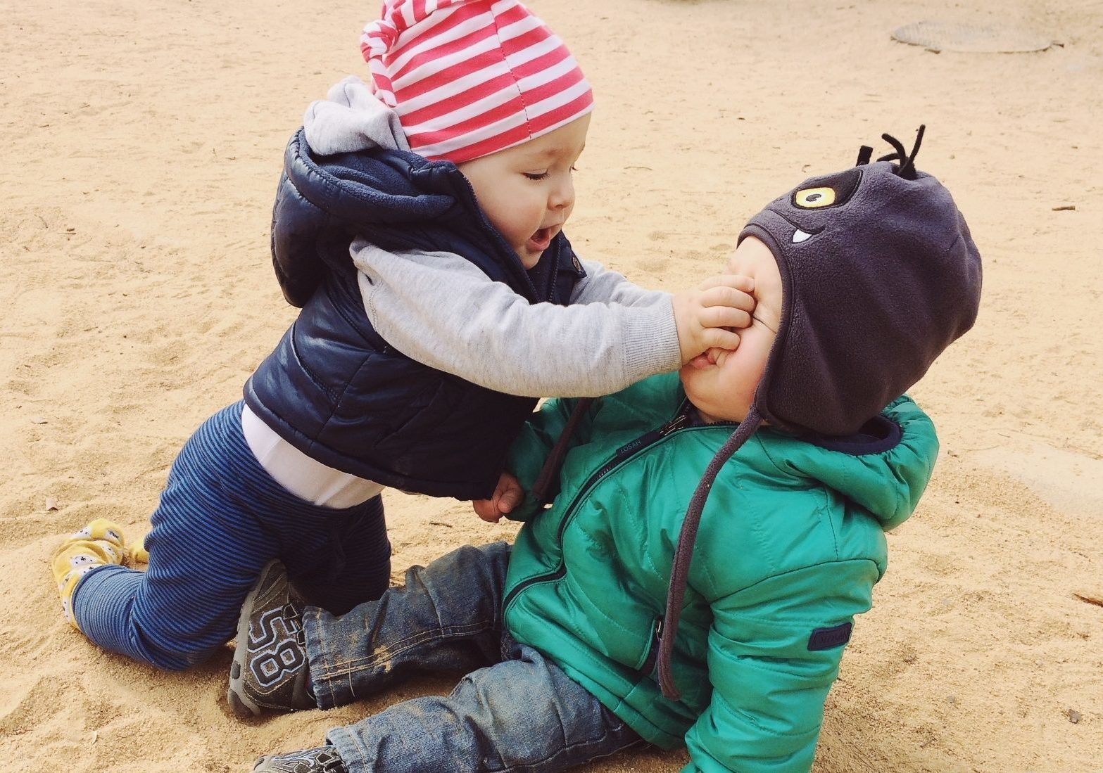 Two kids fighting